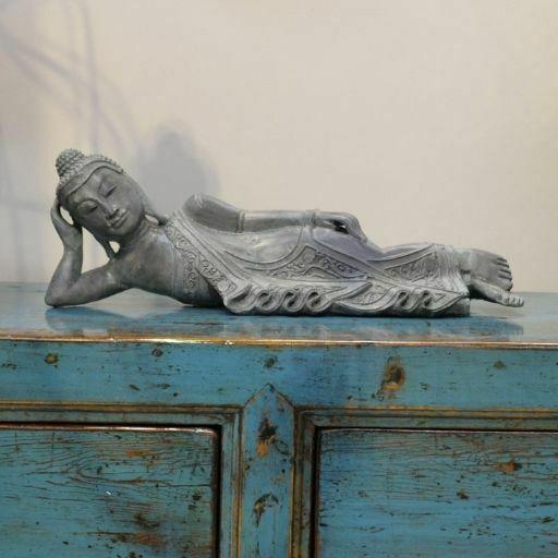 Escultura de Buda Acostado