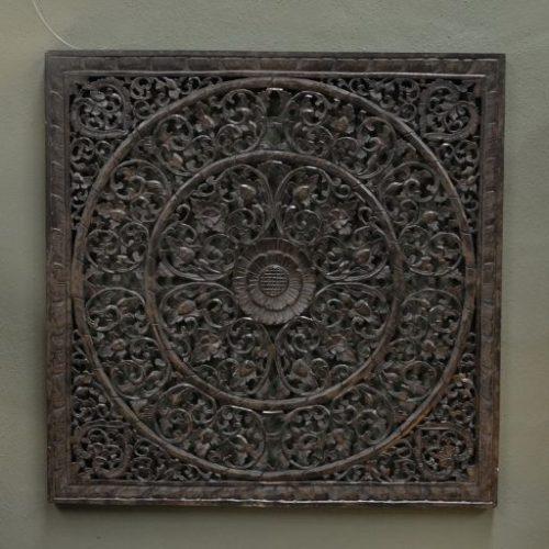 Mandala tallado en madera cuadrado negro