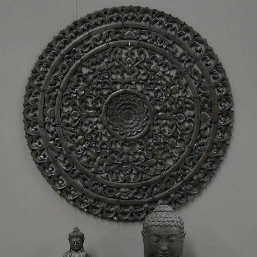 Mandala tallado en madera