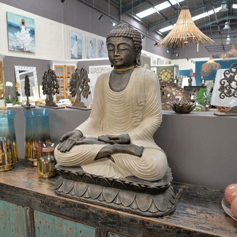 Buda Sentado H100 Crema